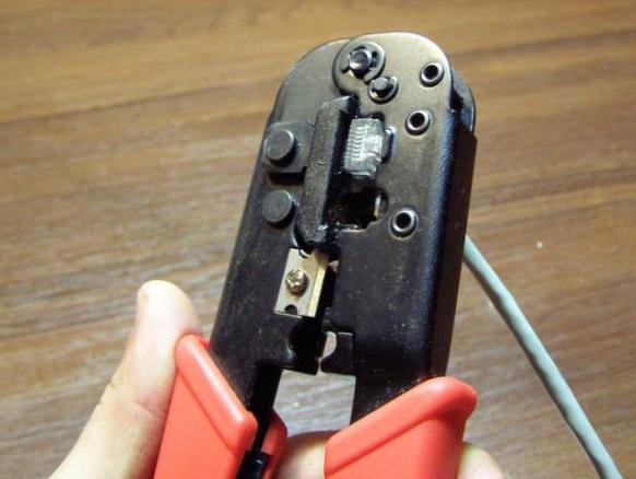 Как обжать сетевой кабель (витую пару)