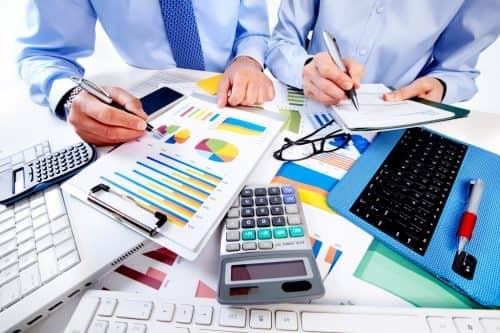Услуги бухгалтера и бухгалтерская компания – что выбрать?